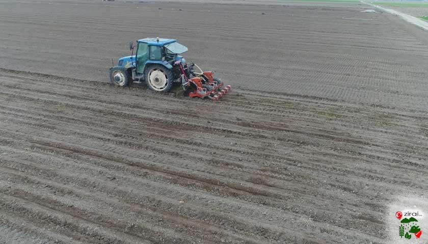 traktör tarla sürüm
